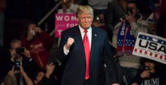 Ông Trump sẽ tranh cử chức Chủ tịch Hạ viện của bà Pelosi năm 2022 và quay lại Nhà Trắng?